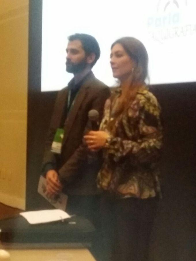 A chefe do Setor de Registro e Revisão de Anais da Câmara de Caxias, Milena Bartelle, e o taquígrafo Ettore Tonani